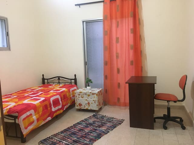 Room in Hamra, close to AUB