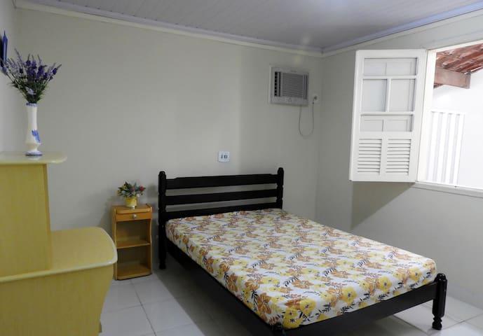 Apartamento seguro, aconchegante e bem localizado