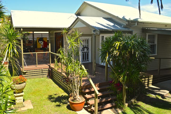Ballina Holiday Cottages / Macnicol Cottage