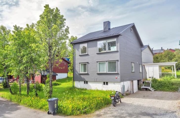 Appartment centrally located with good standard