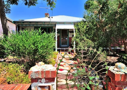 4 bed beach home in Sth Fremantle - South Fremantle - Rumah