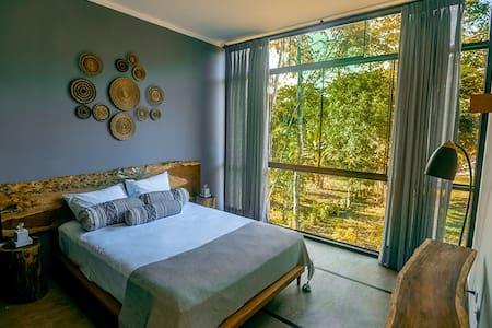 Bedroom (Queen size) - Dormitorio (cama Queen)