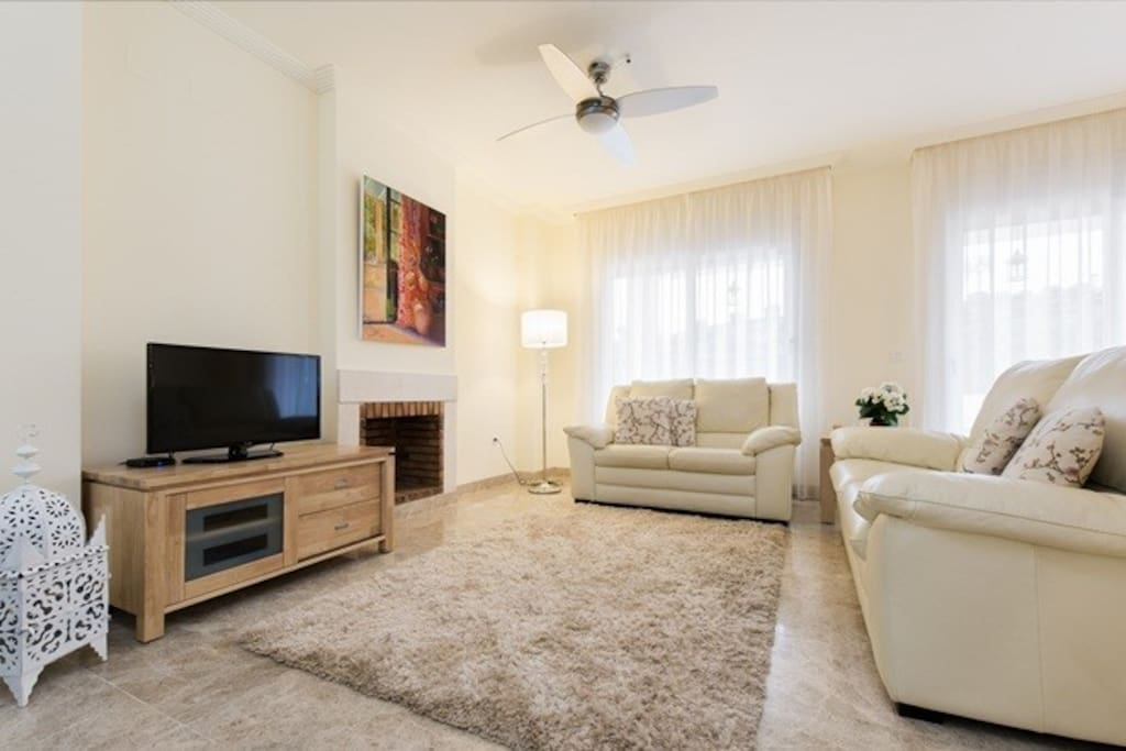 Cosy living space with aircon for the summer and heating in the winter