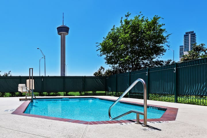 Only 3 Blocks from Gonzalez Convention Center | Outdoor Pool + Roll-in Shower