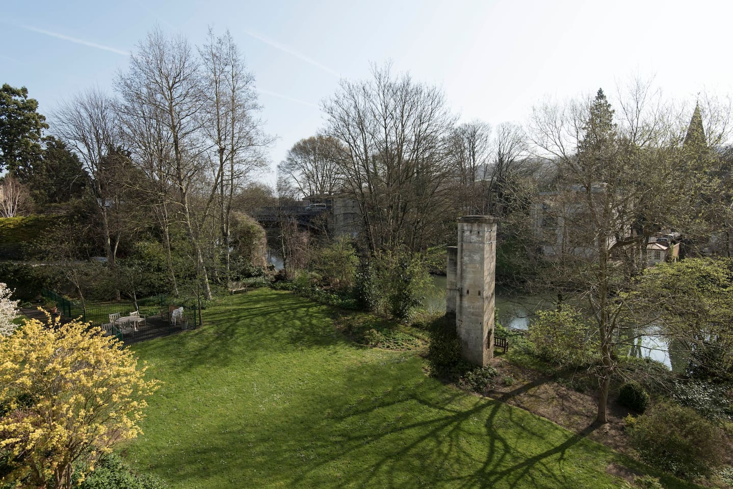 Enjoy the use of this splendid communal garden and views from the windows.