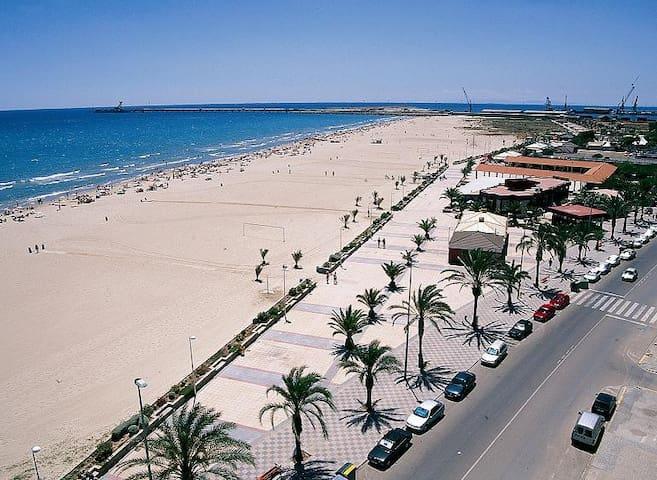 Apto. para 7 pax 800 m de la playa - Port de Sagunt - Daire
