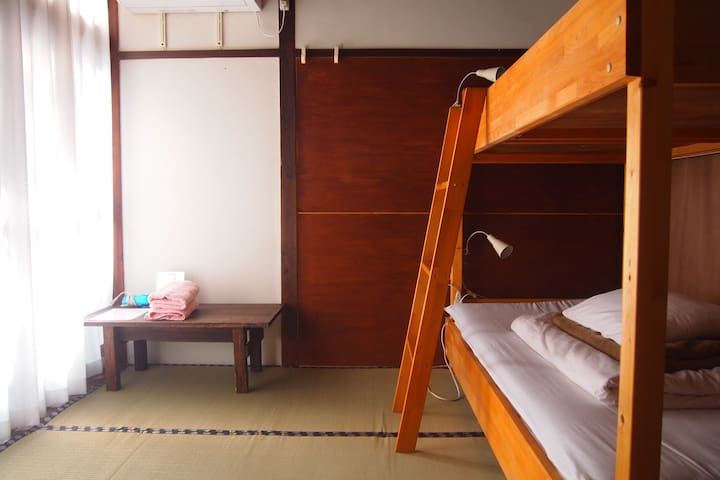 3 minutes walk from JR Nara. Small private room. - Nara-shi - House