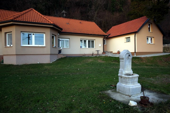 Apartman Mira in a mountain village Kalnik