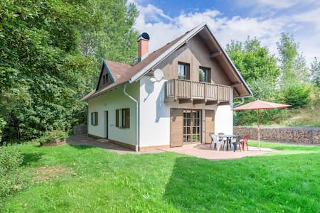 Holiday home with a convenient location in the Giant Mountains for summer & winter!