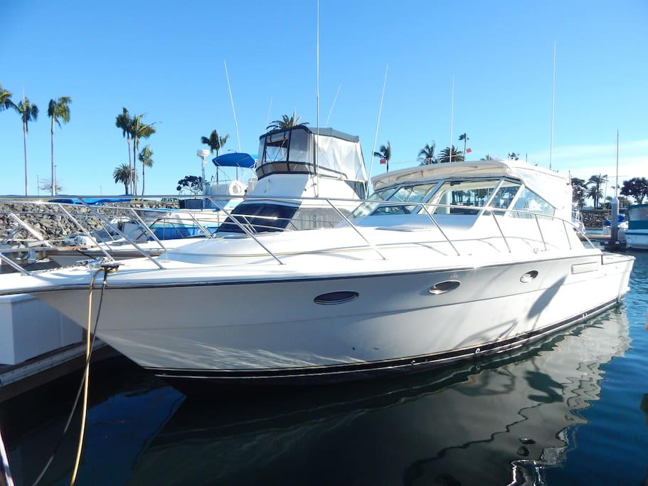 Boat bed breakfast on agavero boats for rent in san for Houseboats for rent in california