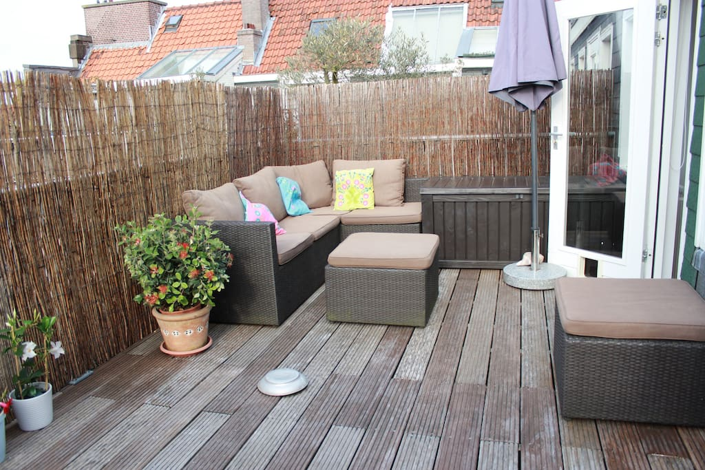 Excellent roof terrace to relax in the sun, accessed from the middle floor.