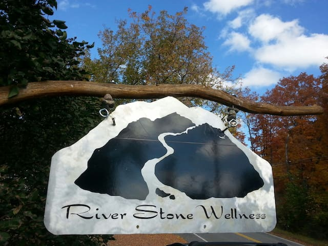 River Stone Retreat - Wilmington - Huoneisto