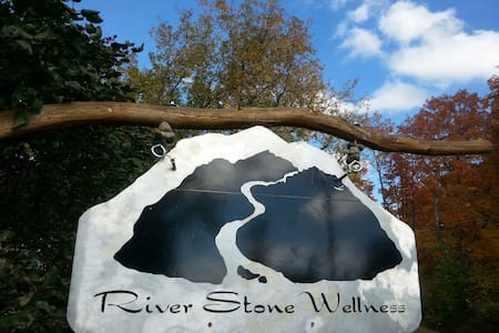 River Stone Retreat - Wilmington