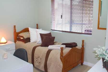 Marangaroo B&B! Beach/Golf/Wineries - Marangaroo - Aamiaismajoitus