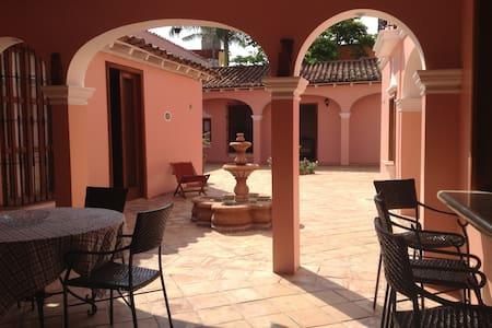 """TLACOTALPAN """"El Deseo"""" / 1 Bedroom - Centro, Tlacotalpan"""