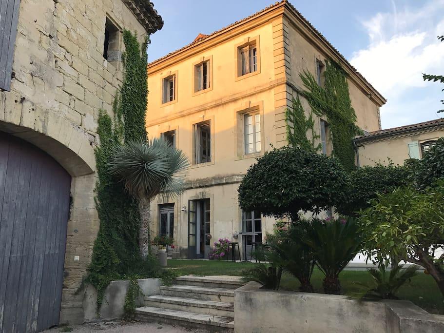 Chambre dans magnifique maison xviii avec piscine villen - Chambre d hote saint laurent d aigouze ...