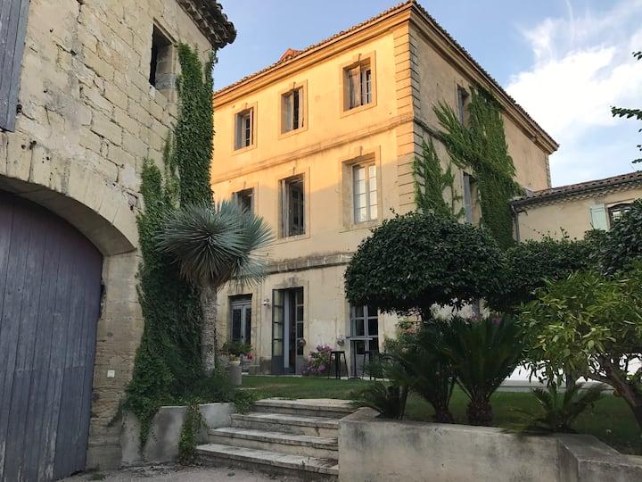 Chambre d'hôtes magnifique maison XVIII piscine (b