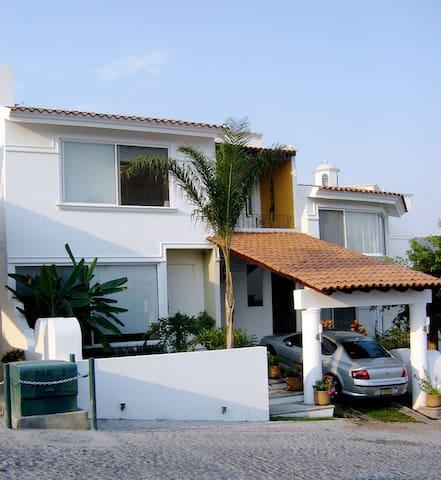 CasaParaiso, bella casa con estilo. - Tres de Mayo - Casa
