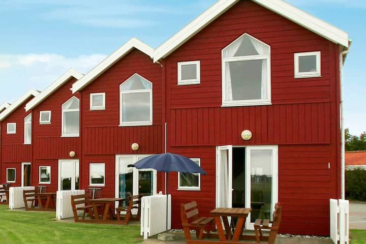 Spacious Apartment for 6 in Hadsund