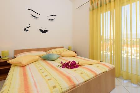 Apartmani Maleš - Arbanija - Apartament