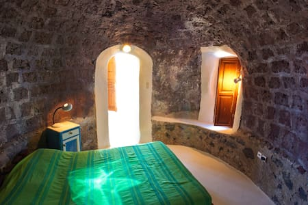 300 yr old Restored Guest House - Thira - Haus