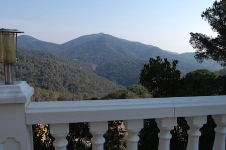 Garden house + sea & mountain views - Sant Cebrià de Vallalta