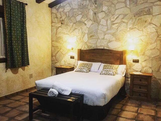 Habitación 3 con cama doble