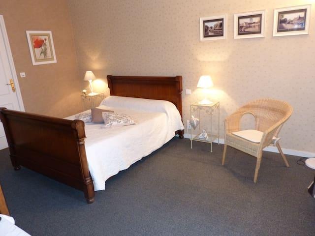 Chambre d'hôtes (axe Etampes-Orléans)