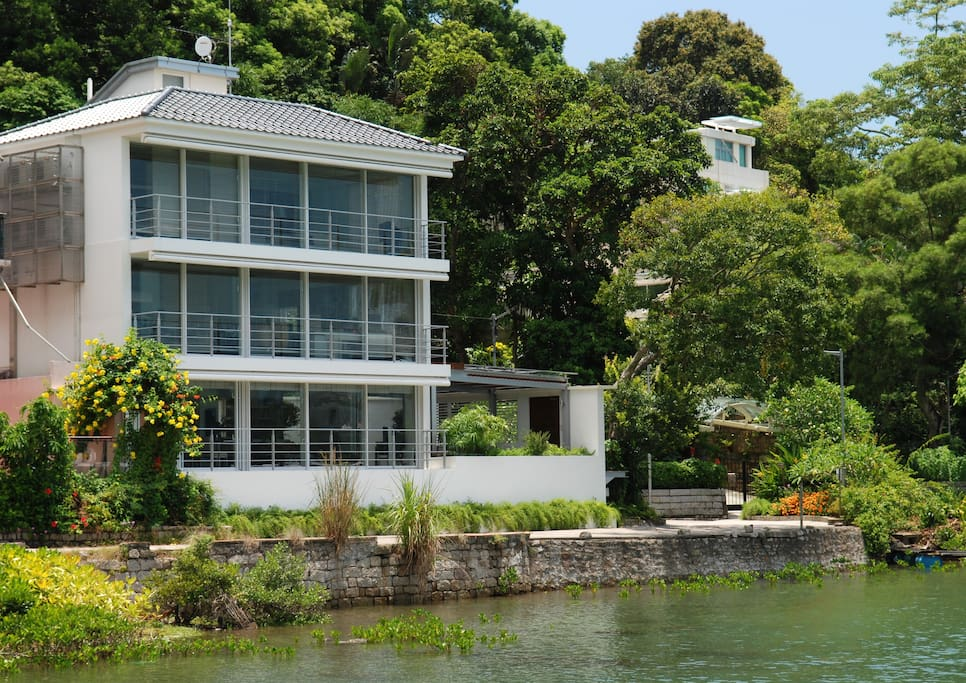 water front bay house 300 m2