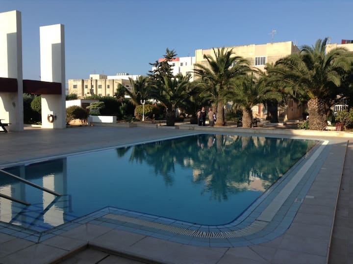 ★Luxury Seafront w/Pool★Cleaning Protocols Adopted