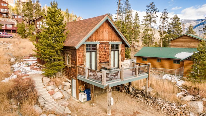 Grand Ave Downtown Grand Lake Cabin with lake views. Walk to everything, and snowmobile parking