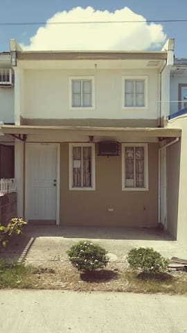 House with 1bedroom,1 toilet, kit - Santa Rosa City - Casa