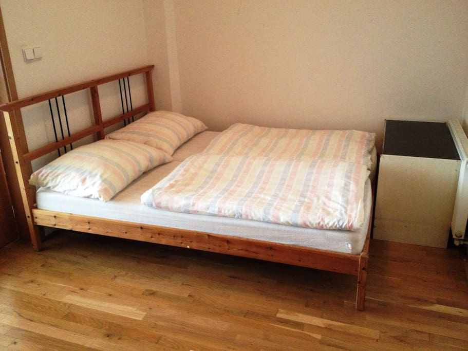 Double bed and disponable beddings for another 2 people
