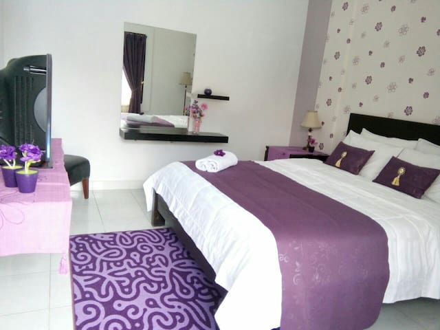 Double bed /queensize, on request extrabed