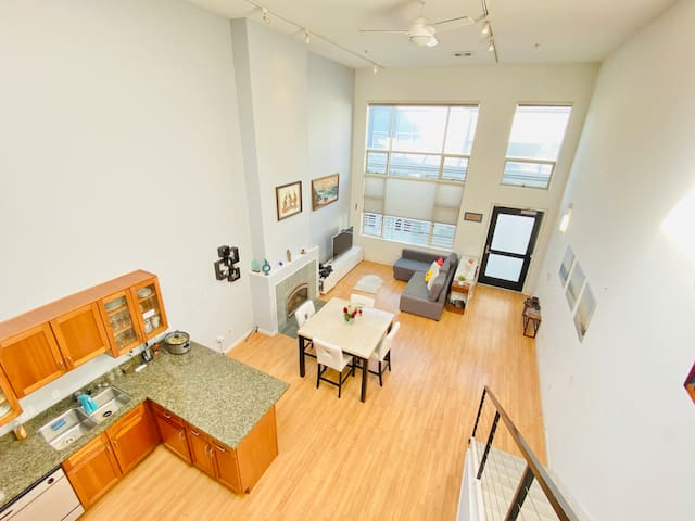 2 BR Beautiful Loft in ❤ of SOMA | ✔Washer/Dryer