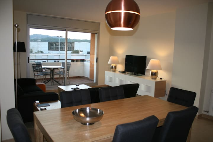 Luxury family apartment (sleeps 6) - Sant Feliu de Guíxols - Apartment