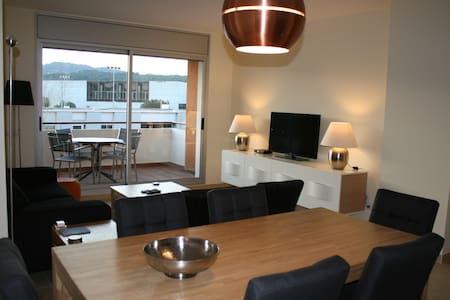 Luxury family apartment (sleeps 6) - Sant Feliu de Guíxols - Apartemen