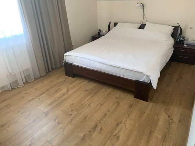 Уютная комната в абсолютно новом доме