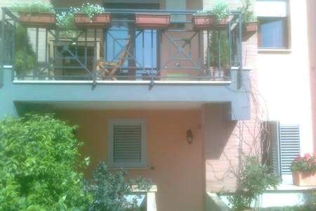 Due piani e giardino vicino Roma