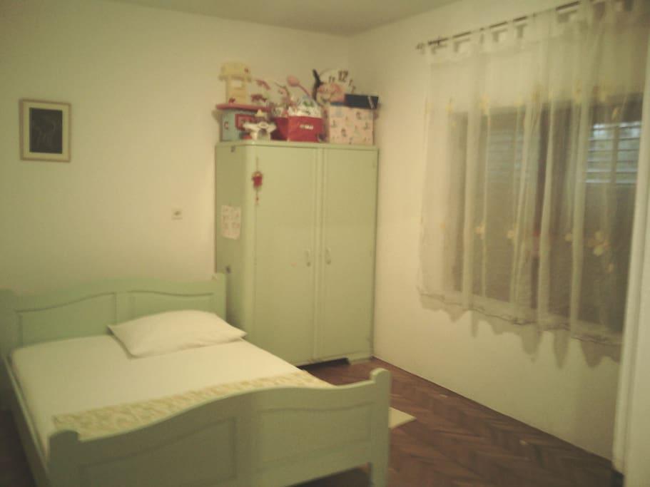Old painted kid bedroom