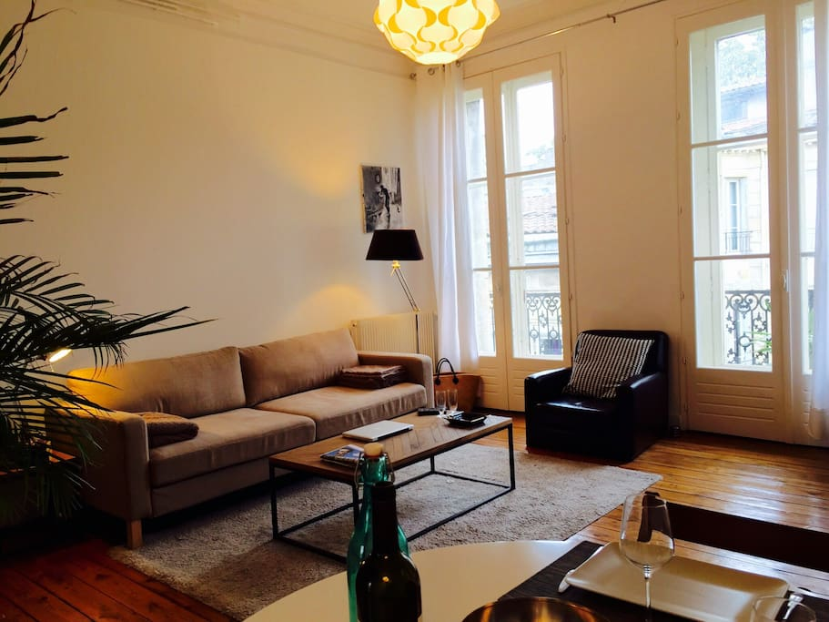 Grand appartement de charme appartements louer for Bordeaux appartement a louer