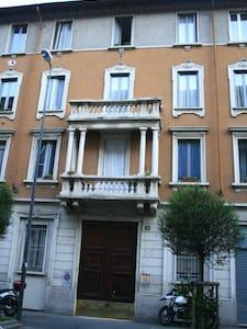 2 floors apartment close t Bocconi