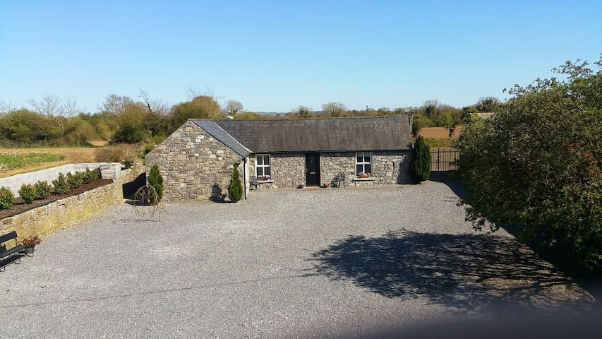Parkstown Lodge cottage - centre of Ireland! - Thurles - Talo