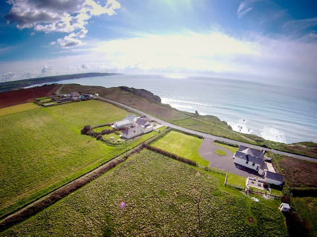 Trevose View Beach House, Bude - Cornwall - Hus