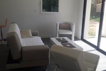 Appartement  F3 - - Bas de Villa - Bastelicaccia - Huoneisto