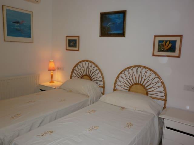 Marine bedroom at Estrella Lodge - Jávea - Bed & Breakfast