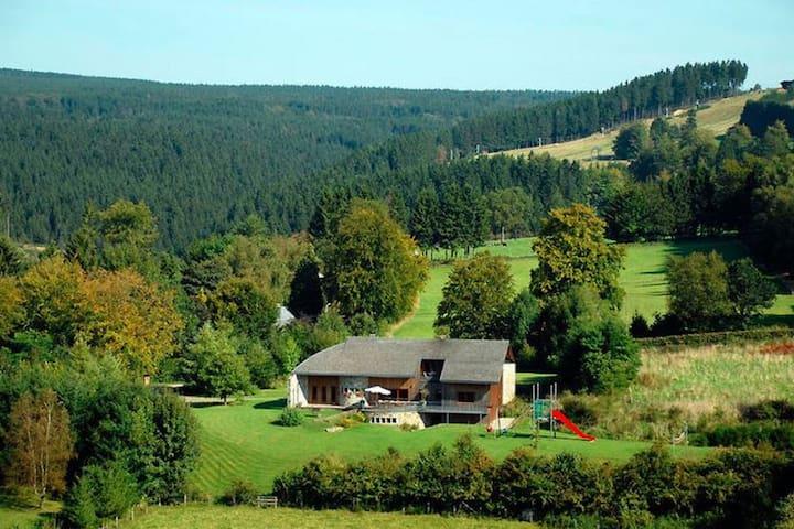 Geräumige Villa mit Sauna in Ovifat