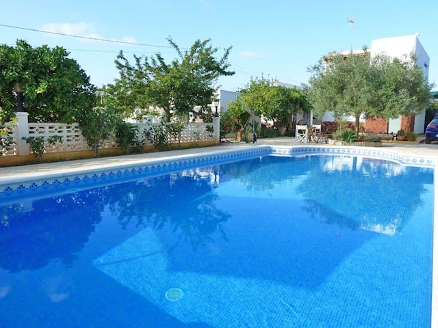 Habitación, en casa de campo con piscina. - Santa Eulària des Riu - House