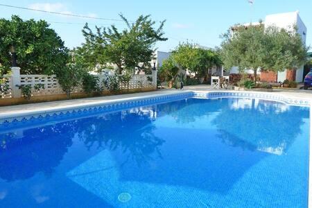 Habitación, en casa de campo con piscina. - Santa Eulària des Riu - Casa