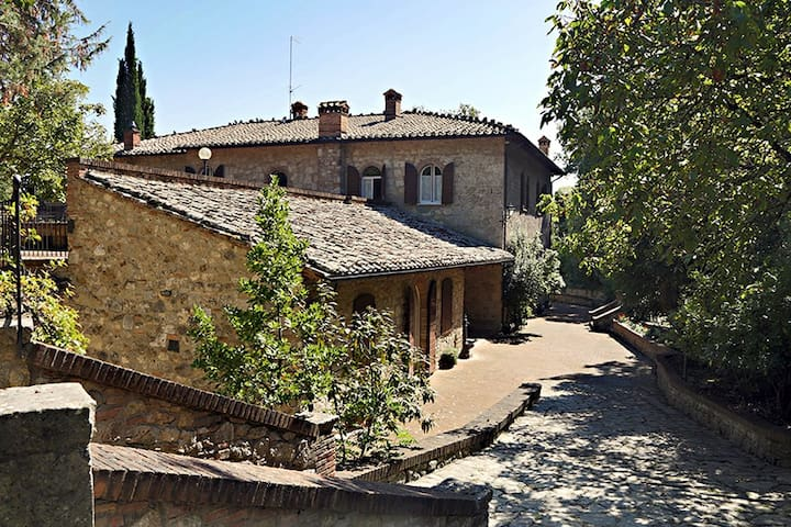 Old mill situated 2 km from Cetona - Patarnione - Villa